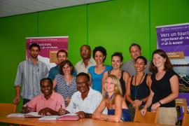 Signature de la première convention d'application de la charte de Saül en mars 2014 © Claudia Berthier / PAG