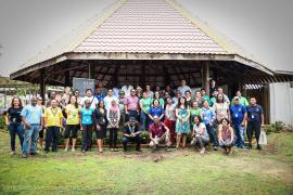 Group photo in front of the benab © Claudia Berthier PAG